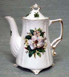 magnolia plate sets | Antique Magnolia Porcelain Teapot - 2 Cup