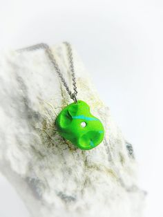 This necklace makes a perfect gift for all rock climbers, hikers and outdoor enthusiasts! Pendants (rock climbing holds/grips) come in variety of