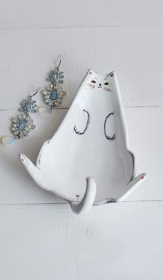 Cats Accessories Diy Kitty 59 Ideas For 2019 Ceramic Clay, Ceramic Pottery, Diy Jewellery Dish, Do It Yourself Inspiration, Sculptures Céramiques, Diy Jewelry Holder, Cat Ring, Paperclay, Cat Crafts