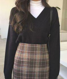 Winter Fashion Outfits, Look Fashion, Korean Fashion, Fall Outfits, Fashion 2020, Fashion Dresses, Knit Fashion, Ulzzang Fashion, Retro Outfits