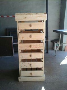 6 drawer storage made from 2 pallets