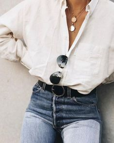 The Dainty Jewelry Inspo You Need To Copy – – Dainty jewelry necklace… The Dainty Jewelry Inspo You Need To Copy – – Dainty jewelry necklaces & rings! – The post The Dainty Jewelry Inspo You Need To Copy – – Dainty jewelry necklace… appeared first on Fab. Moda Outfits, Cute Outfits, Denim Outfits, Spring Fashion, Winter Fashion, Bluse Outfit, Fashion Outfits, Women's Fashion, Fashion Trends