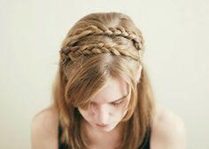 ++++ CHE NE PENSI DI QUESTA ACCONCIATURA?!?!?! ++++  ...per visualizzare il PROCEDIMENTO & VIDEO TUTORIAL➨➨➨ http://www.womansword.it/donna-bellezza-consigli/beauty-fai-da-te/beauty-fai-da-te-capelli/come-realizzare-treccia-olandese-treccia-cerchietto/
