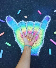 VSCO & teenlifevsco VSCO & teenlifevsco The post VSCO & teenlifevsco appeared first on Ruby Sanders. Chalk Pictures, Vsco Pictures, Rainbow Aesthetic, Summer Aesthetic, Aesthetic Girl, Chalk Drawings, Art Drawings, Art Sketches, Arte Bar