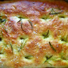 Nopea ja helppo leipä vaikka kesän noutopöytään. Savoury Baking, Bread Baking, Easy Cooking, Cooking Recipes, Bread Recipes, Cake Recipes, Food Tasting, Daily Bread, Yummy Cakes
