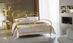 Classic wrought iron beds by Ciacci