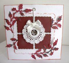 Mini crochet Christmas wreath