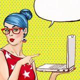 Menina Do Pop Art Com Megafone Mulher Com Altifalante Menina Que Anuncia O Disconto Ou A Venda Tempo Da Compra - Baixe conteúdos de Alta Qualidade entre mais de 56 Milhões de Fotos de Stock, Imagens e Vectores. Registe-se GRATUITAMENTE hoje. Imagem: 75123331