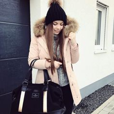Perfectly styled... A super cosy winter outfit combined with our MILAN Rosegold  by @ameliechristina_  #windandvibes #MyTripMyStyle