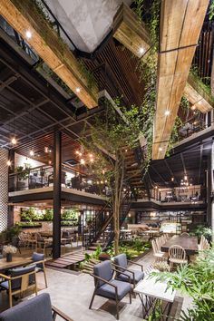 Galeria de Café An'garden / Le House - 14 - # café . - Galeria de Café An'garden / Le House – 14 – - Design Exterior, Interior And Exterior, Interior Garden, Interior Plants, Loft Design, Design Case, Deco Restaurant, Restaurant Recipes, Restaurant Seating