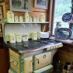 1000 images about vintage stoves on pinterest vintage stoves stove and windsor. Black Bedroom Furniture Sets. Home Design Ideas