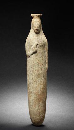 Rhodian terracotta figure Alabastar Archaic, circa 6th Century B.C. Goddesses often hold birds or have birds on their heads