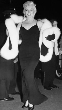 Marilynattends the premiere of The Rose Tattoo; December12, 1955