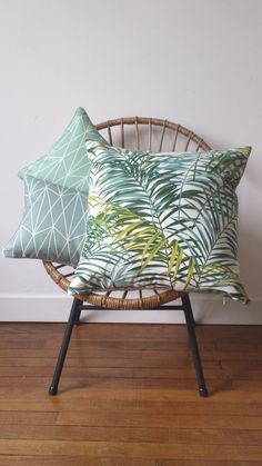 Image of Coussin Jungle Diy Deco Rangement, Jungle Decorations, Deco Jungle, Jungle Bedroom, Modern Throw Pillows, Tropical Style, Tropical Houses, Home Decor Styles, Home Decor Inspiration