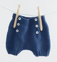 knitted baby rompers boys ~ rompers for baby boys & rompers for baby boys free pattern & baby boys rompers & crochet baby rompers boys & baby boys rompers sewing patterns & baby boys in rompers for baby boys Baby Boy Knitting, Knitting For Kids, Baby Knitting Patterns, Baby Patterns, Sewing Patterns, Tricot Baby, Yarn Inspiration, Baby Bloomers, Baby Kind
