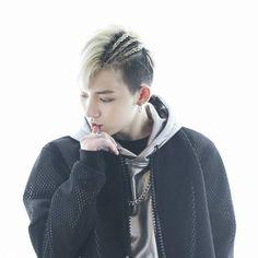 Gyeoul/겨울 Real Name: Kim Jungeon // VAV