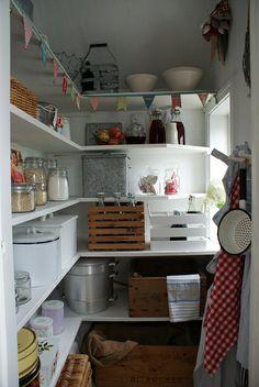 keuken koele berging3 by Mme Zsazsa, via Flickr