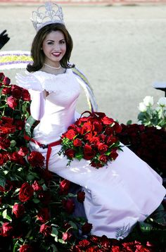 The 2003 Tournament Of Roses Queen waves during the 2003 Tournament Of Roses Parade on January 2003 in Pasadena, California. Royal Court, Tiaras And Crowns, Pageant, Fancy Dress, Queens, Profile, Costumes, Play, Bridal