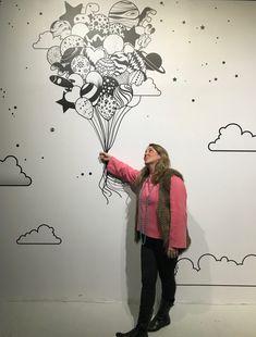 Já ouviu falar sobre CENÁRIO INSTAGRAMÁVEL? Crie um cenário, com objetos, pufs, poltronas, livros, painel de fundo, um espaço que seja interessante (e que tenha alguma relação com o tema da atividade) para tirarem fotos... #4em1versao2019 #esseehonossomomento #dfj #ikk Paint Booth, Hand Painted Walls, Wall Decor, Wall Art, Visual Merchandising, Photo Booth, Graffiti, Creative, Sorbet