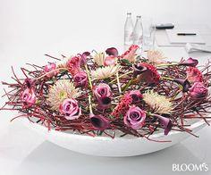 Floristik-Ideen: Blumige Schalen-Deko mit Zweigegerüst