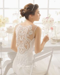 Beaded lace and tulle wedding dress. Aire Barcelona 2016 Bridal Collection.