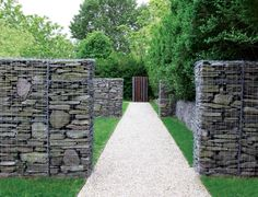 Gabion Wall Ideas - hundreds of professional gabion project photos to give you inspiration Landscape Architecture, Landscape Design, Garden Design, Fence Design, Garden Fencing, Garden Landscaping, Gabion Retaining Wall, Gabion Stone, Gabion Cages