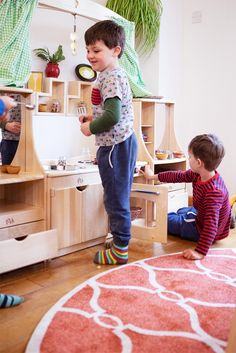 This versatile role play kitchen is perfect for any setting. Furniture height is adjustable for toddlers or reception age children.