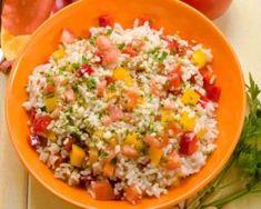 Salade de riz coquine aux tomates, poivrons et amandes