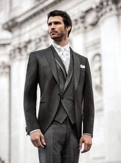 trajes de novio vintage elegantes con chaleco cruzado
