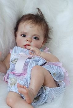 Our wood toy dolls house compilation has a series of different styles and measures, our wood-based toy dolls holds are delightfully illustrated in and out. Newborn Baby Dolls, Cute Baby Dolls, Baby Girl Dolls, Little Doll, Little Babies, Cute Babies, Silicone Reborn Babies, Silicone Baby Dolls, Wiedergeborene Babys