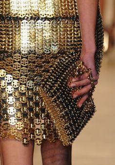 Paco Rabanne, Fall/Winter ➡ Robe métal doré
