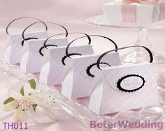 Pink Purse Favor Boxes BETER-TH011 Baby Party Decoration Ideas        ; #wedding# #bride#  #boda# #weddingfavorbox# http://www.aliexpress.com/store/product/Wedding-Dress-Tuxedo-Favor-Boxes-120pcs-60pair-TH018-Wedding-Gift-and-Wedding-Souvenir-wholesale-BeterWedding/512567_594555273.html