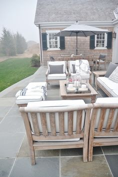 Cozy neutral patio a
