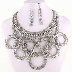 Silver Swirl Necklace Set www.theglittervault.com