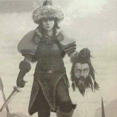 İran kralının başını kesen ilk kadın Hükümdar Tomris Hâtun; Güneşe yemin olsun ki seni kanla doyuracağım, Büyük Kiros ve Kiros'un kafasını kan dolu bir fıçıya atarak şimdi seni kanla duyurdum der.