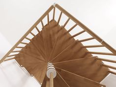 STAINLESS STEEL AND WOOD SPIRAL STAIRCASE GENIUS 070 BY FONTANOT - ALBINI & FONTANOT Loft Stairs, Open Staircase, Staircase Design, Loft Conversion Stairs, Stair Dimensions, Cat Condo, Basement Renovations, Stair Railing, Stairways