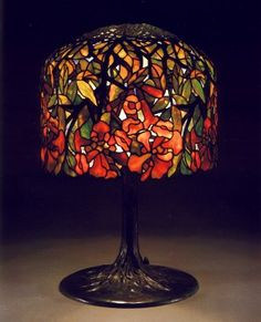 A Trumpet Creeper Leaded Glass and Bronze Table Lamp