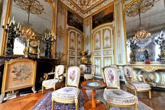 chantilly france chateau interior/images | is a historic château located in the town of Chantilly, France ...