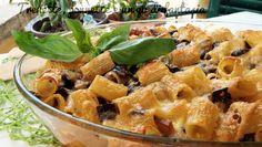 Pasta gratinata con le melanzane Crepes, Rigatoni, Gnocchi, Fett, Paella, Potato Salad, Macaroni And Cheese, Good Food, Chicken