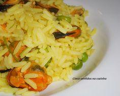 Cinco sentidos na cozinha: Arroz de açafrão com mexilhão e ervilhas