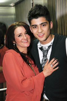 zayn & his Mum :) (She is so Pretty!!)