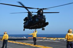 from SOAR performing deck landing qualifications aboard the USS Peleliu (LHA Helicopter Plane, Military Helicopter, Military Aircraft, Boeing Ch 47 Chinook, Chinook Helicopters, Military Photos, Private Jet, Aircraft Carrier, War Machine