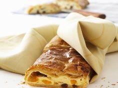 Quark-Blätterteigstrudel - smarter - Zeit: 1 Std. 30 Min. | eatsmarter.de Ricotta, Italian Dishes, Eat Smarter, Apple Pie, Sweet Tooth, Cooking Recipes, Sweets, Baking, Ethnic Recipes