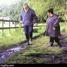Laugh out loud ( lol ) at this short clip! So funny! Super Funny, Really Funny, Funny Cute, The Funny, Hilarious, Very Funny Gif, Funny Videos, Funny Fails, Funny Memes
