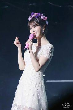 "IU 171103 ""Palette""  Tour Concert in Busan"