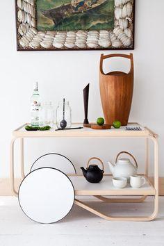 Tea cart by Artek - design Alvar Aalto (Dansk ice bucket by Jens Quistgaard, tea set by Ulla Procope for Arabia) Furniture Design, Beautiful Interior Design, Interior Furniture, Furniture, Tea Trolley, Bars For Home, Bar Cart Decor, Cool Furniture, Home Decor