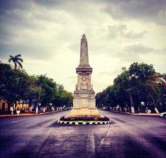 Monumento a Felipe carrillo puerto gobernador socialista de Yucatan. Se encuentra ubicado en una de las glorietas de Paseo de Montejo.