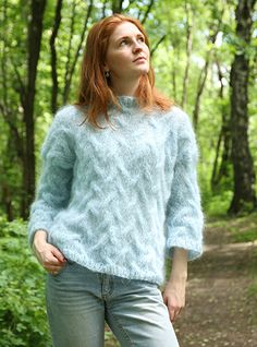 A gorgeous feminine sweater in fluffy mohair yarn. A very nice project if you are new to cables, with large needles and simple cables. Knitting Projects, Knitting Patterns, Mohair Yarn, Cable Sweater, Pickles, Feminine, Pullover, Barn, Sweaters