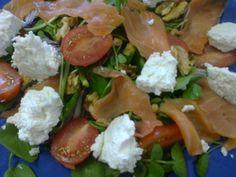 Receita Prato Principal : Salada de salmão fumado com requeijão e molho de vinagre balsâmico de Aprendizdechefe