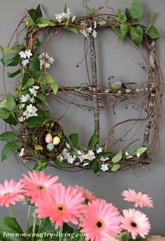 Branch and Vine Spring Wreath: How To - Town & Country Living Source by jenniferzuri Ideas spring Town And Country, Country Living, Christmas Crafts, Christmas Decorations, Spring Decorations, Branch Decor, Tree Branch Crafts, Spring Branch, Crafts To Make